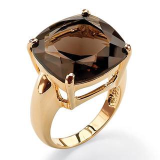 Ring with quartz