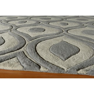 "Modern Waves Grey Hand-Tufted Rug (5' x 7'6"")"