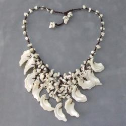 Handmade White Mother of Pearl Waterfall Necklace (Thailand)