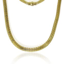 La Preciosa Goldplated Stainless Steel Hollow Mesh Necklace|https://ak1.ostkcdn.com/images/products/6212301/La-Preciosa-Goldplated-Stainless-Steel-Hollow-Mesh-Necklace-P13858394a.jpg?impolicy=medium