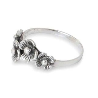 Handmade Sterling Silver 'Daisy Quartet' Flower Ring (Thailand)
