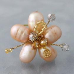 Handmade Goldtone Peach Pearl and Crystal Floral Adjustable Ring (Thailand)