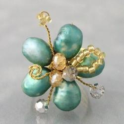 Goldtone Green Pearl and Crystal Floral Adjustable Ring (Thailand)