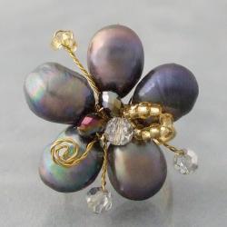 Handmade Goldtone Black Pearl and Crystal Floral Adjustable Ring (Thailand)