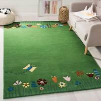 Safavieh Handmade Children's Summer Grass Green N. Z. Wool Rug - 5' x 8'