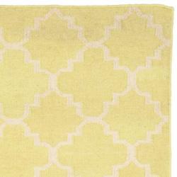 Safavieh Hand-woven Moroccan Reversible Dhurrie Light Green/ Ivory Wool Rug (2'6 x 10')