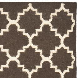Safavieh Hand-woven Moroccan Reversible Dhurrie Brown/ Ivory Wool Rug (2'6 x 10') - Thumbnail 1