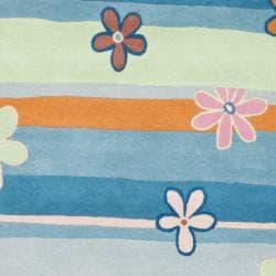 Safavieh Handmade Children's Spring Sky Blue N. Z. Wool Rug (4' x 6') - Thumbnail 2