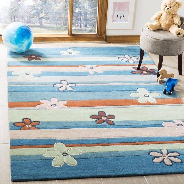 Safavieh Handmade Children's Spring Sky Blue N. Z. Wool Rug - 4' x 6'