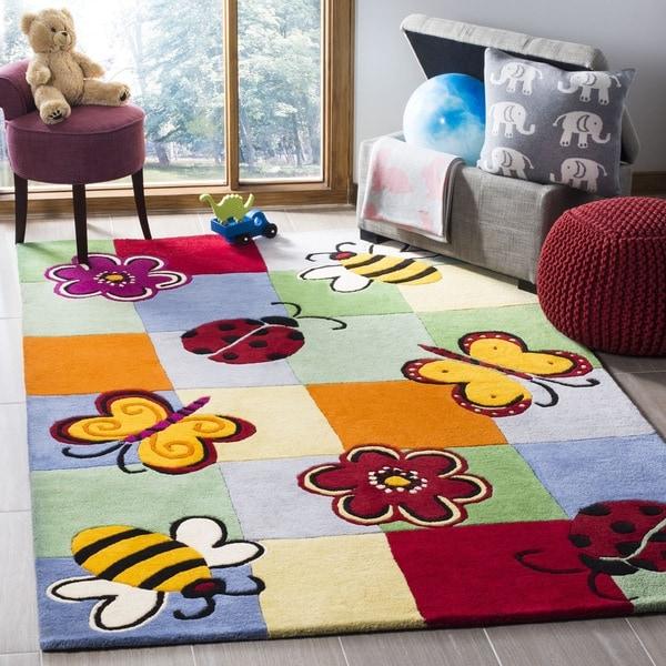 Safavieh Handmade Children's Garden Friends New Zealand Wool Rug (4' x 6') - 4' x 6'