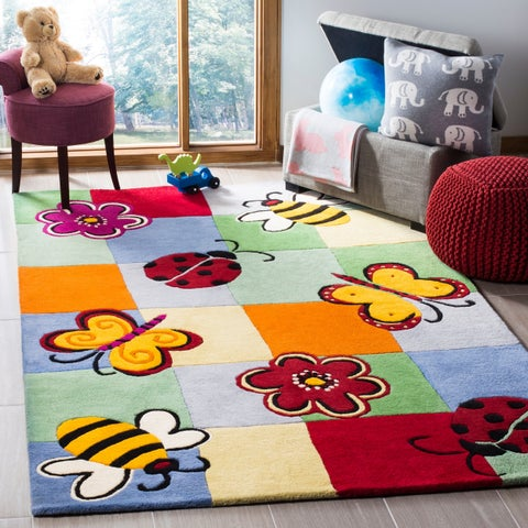 Safavieh Handmade Children's Garden Friends New Zealand Wool Rug - 6' x 9'