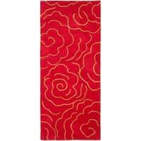 "Safavieh Handmade Soho Roses Red New Zealand Wool Rug - 2'6"" x 6'"
