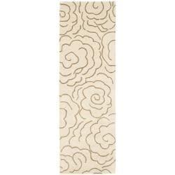 Safavieh Handmade Soho Roses Beige New Zealand Wool Rug (2'6 x 8')