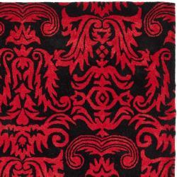 Safavieh Handmade New Zealand Wool Minna Black/ Red Rug (7'6 x 9'6)