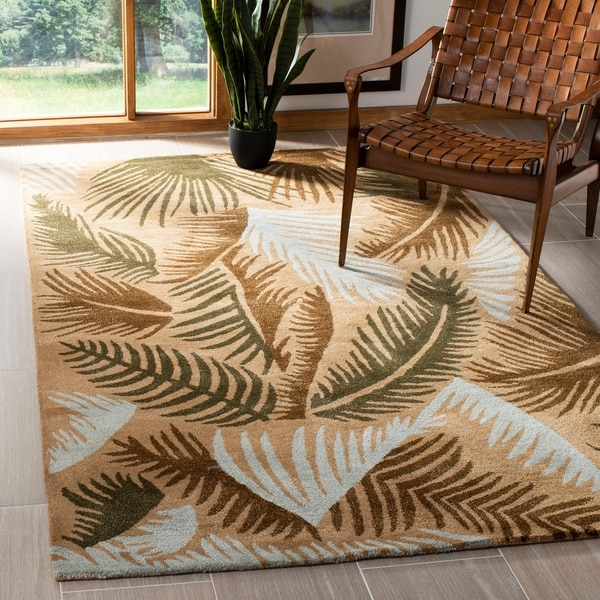 Safavieh Handmade New Zealand Wool Fern Beige Rug - 7'6 x 9'6