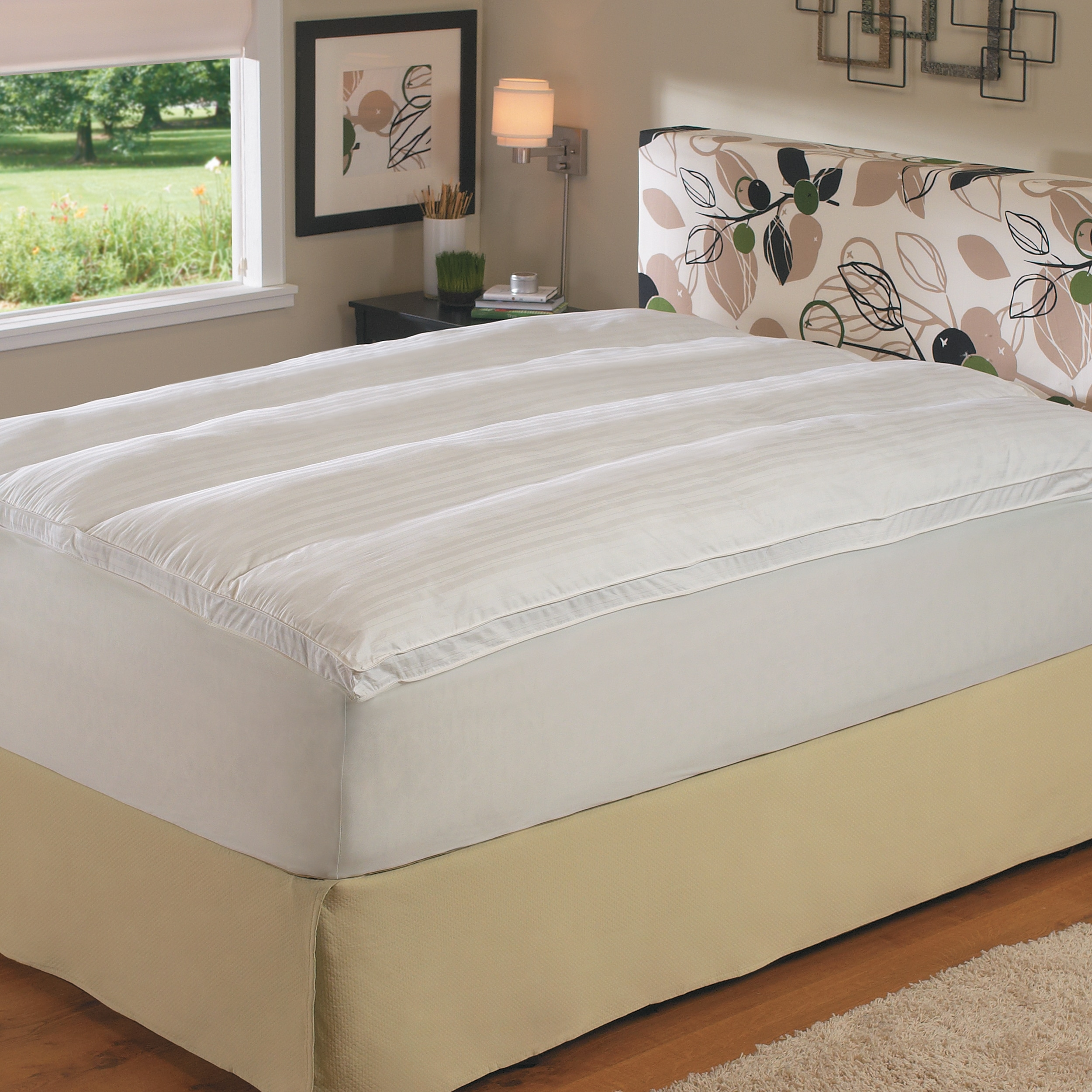 Luxury 360 thread count Extra Comfort Twin/ Full-size Fiberbed with Skirt