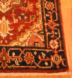 Indo Hand-knotted Heriz Red and Navy Wool Rug (2' x 3') - Thumbnail 2