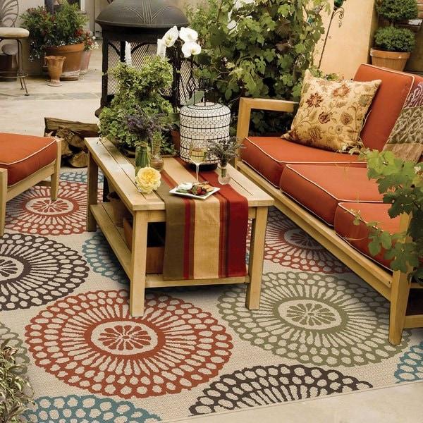 StyleHaven Floral Beige/Blue Indoor-Outdoor Area Rug (6'7x9'6)
