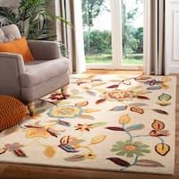 Safavieh Handmade Blossom Beige Wool Rug - 4' x 6'