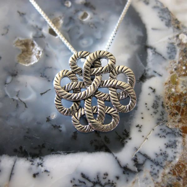 Handmade Sterling Silver Traditional Celtic Design Necklace (Thailand)