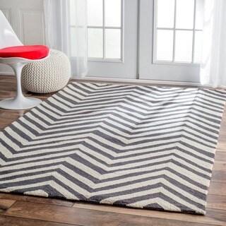 nuLOOM Handmade Alexa Chevron Wool Rug - 5' x 8'
