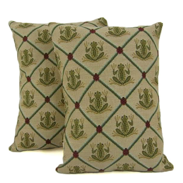 Frogs Throw Pillows (Set of 2)