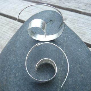 Handmade Sterling Silver Spiral Wave Hoop Earrings (India)