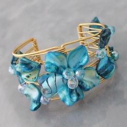 Handmade Goldtone Blue Seashell Floral Cuff Bracelet (Philippines)