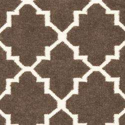 Safavieh Hand-woven Moroccan Reversible Dhurrie Brown/ Ivory Wool Rug (3' x 5') - Thumbnail 2