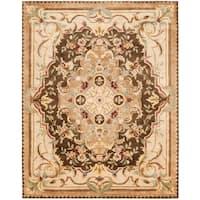 """Safavieh Handmade Aubusson Creteil Brown/ Beige Wool Rug - 7'-6"""" x 9'-6"""""""