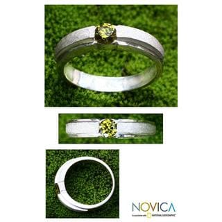 Handmade Sterling Silver 'Honeymoon' Peridot Ring (Indonesia)