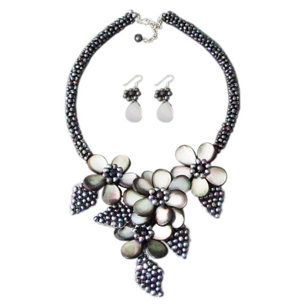 Black Mother of Pearl and Pearl Floral Bouquet Jewelrt Set (Thailand)
