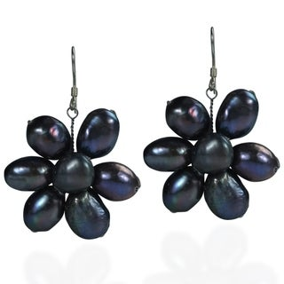 Handmade Sterling Silver Freshwater Black Pearl Flower Earrings (Thailand)