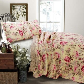 Link to Porch & Den Gladiola Pink Rose Cottage Cotton 3-piece Quilt Set Similar Items in Quilts & Coverlets