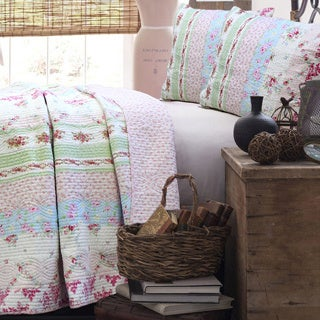 Wild Rose Enchantment Patchwork 3-piece Quilt Set