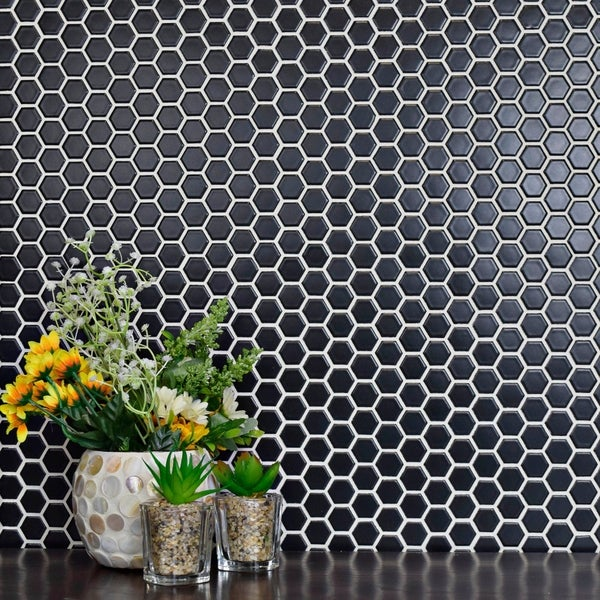 SomerTile 10.5x11.75-inch Victorian Hex Matte Black Porcelain Mosaic Floor and Wall Tile (Case of 10