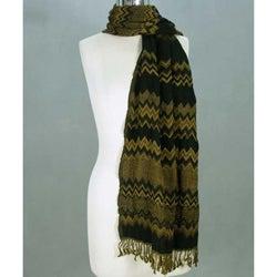 Handmade Wool 'Zigzag Style' Scarf (India)