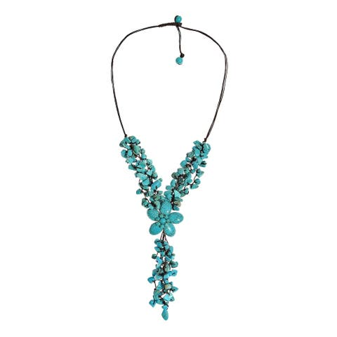 Handmade Adorable Turquoise Stone Flower Cluster Rain Necklace (Thailand)