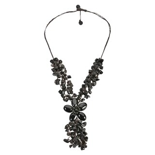 Handmade Adorable Black Onyx Stone Flower Cluster Rain Necklace (Thailand)