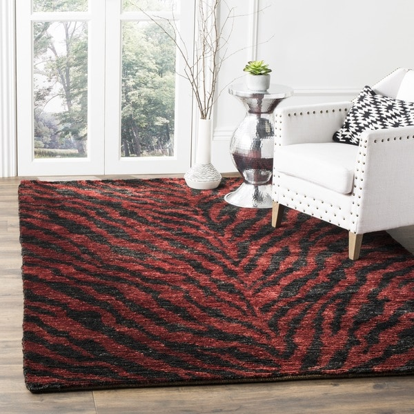 Safavieh Hand-knotted Vegetable Dye Tiger Red/ Black Rug - 6' x 6' Square
