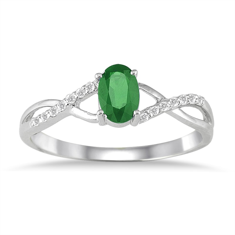 Marquee Jewels 10k White Gold Emerald and 1/10ct TDW Diamond Ring (I-J, I1-I2)