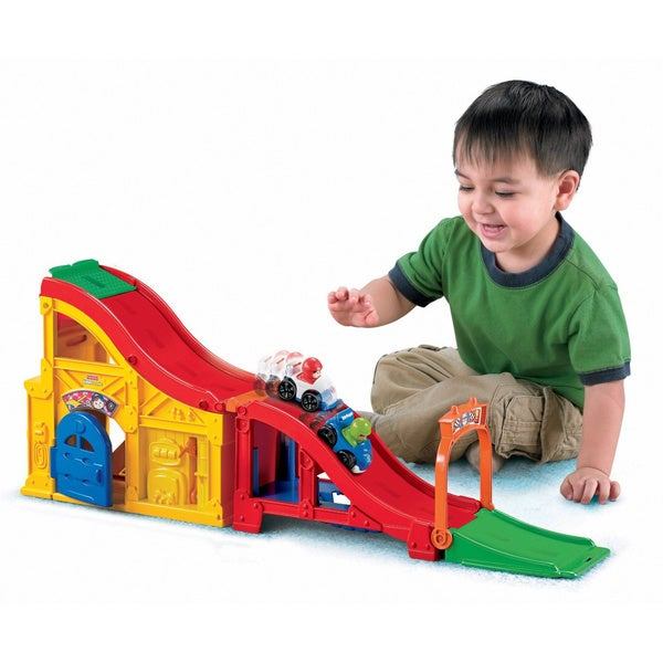 Fisher Price Little People Wheelies Rev N Sounds Race Track