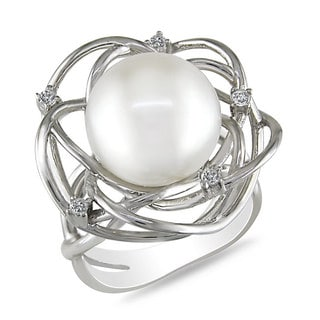 Miadora Sterling Silver 1/10ct TDW Diamond and Freshwater Pearl Ring (11.5-12 mm)(G-H, I3)