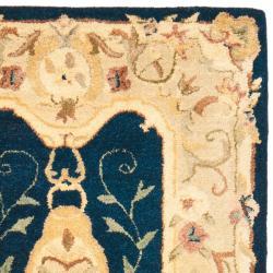 Safavieh Handmade Aubusson Plaisir Navy/ Beige Wool Rug (2'6 x 10') - Thumbnail 1