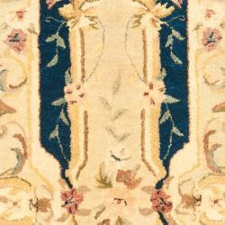 Safavieh Handmade Aubusson Plaisir Navy/ Beige Wool Rug (2'6 x 10') - Thumbnail 2
