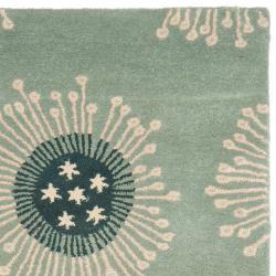 Safavieh Handmade Celebrations Light Blue Grey N. Z. Wool Rug (2'6 x 8') - Thumbnail 1