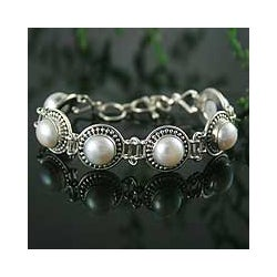 Prosperity Perfect Bridal Flexible Round White Freshwater Pearls with Ornate Bezel 925 Sterling Silver Womens Bracelet (India)