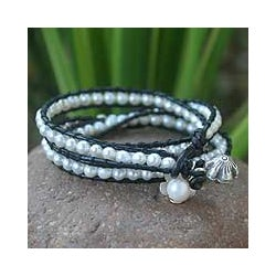 Handmade Silver 'Moonlit Rose' Pearl and Leather Bracelet (6-6.5 mm) (Thailand)