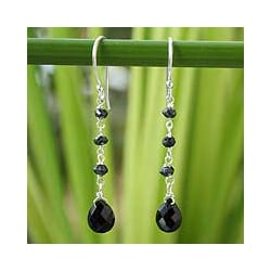 Handmade Sterling Silver 'Lady from Bangkok' Onyx Earrings (Thailand)
