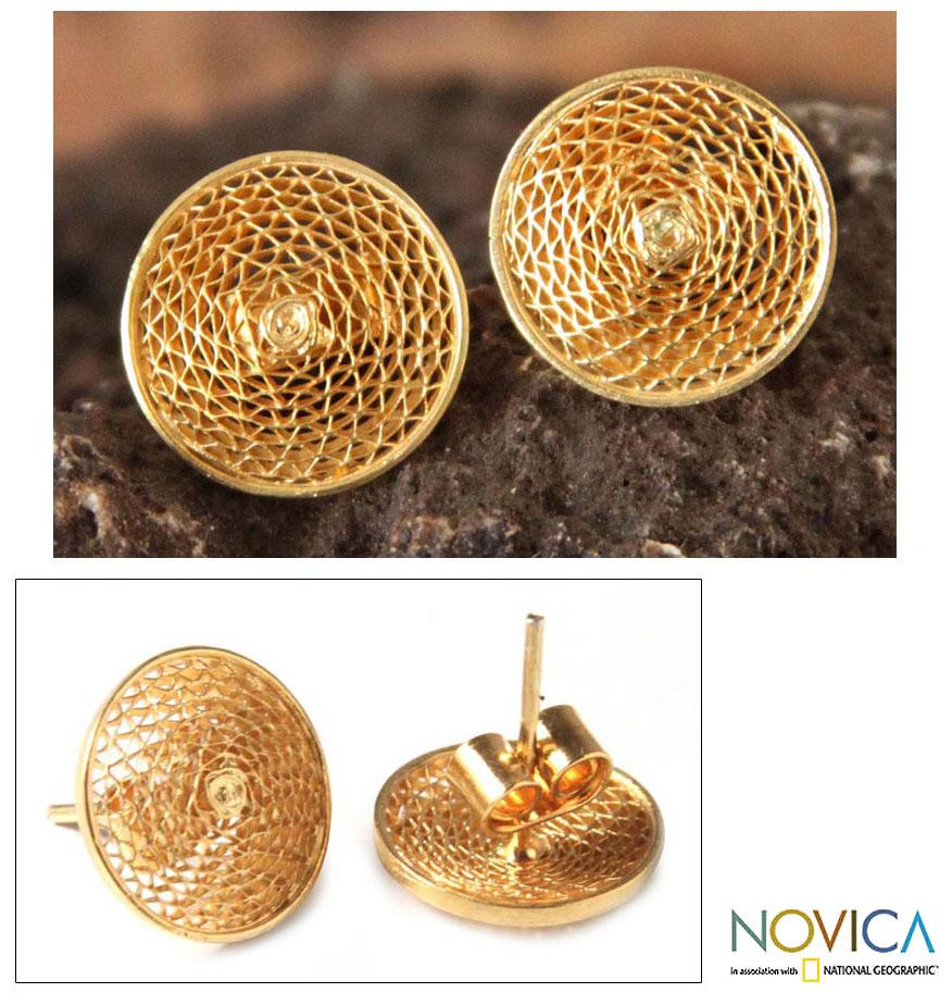 Handmade Gold Plated 'Starlit Sun' Filigree Stud Earrings (Peru)